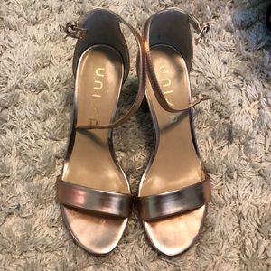Rose gold chunky heals
